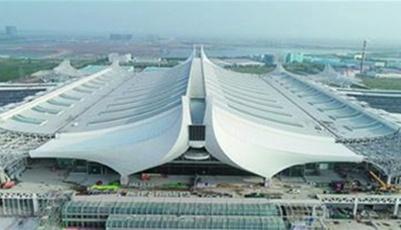 青岛最大火车站红岛站施工收尾 年底具备开通条件