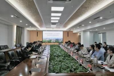 嶗山區政府聯合青島大港海關 舉辦支持對外貿易發展座談會