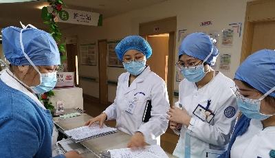 """20多天坚守医院护理最前线  战""""疫""""不胜她们不退"""