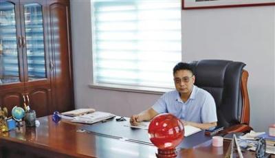 """张庆利:以""""科技之手""""抓住机遇"""