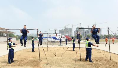 33名消防员踏上新征程  青岛市消防救援支队举行首批新招录消防员结训典礼