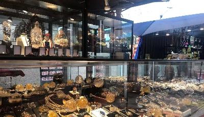全国奇珍异宝亮相岛城 十五大街古玩城奇石珠宝展盛大开幕