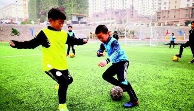体育中考未来逐步与语数外同分 如何强体不增负?