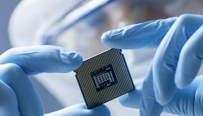 扩展5G业务边界 高通推出5G宏基站芯片平台