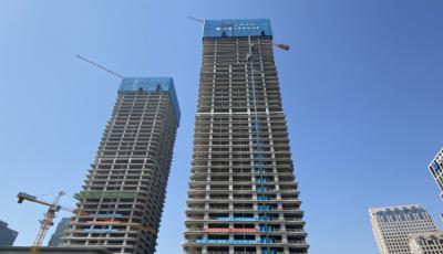 青岛国际啤酒城改造项目T1T2楼主体封顶