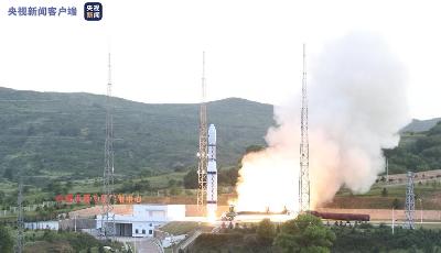 我國成功發射多媒體貝塔試驗A/B衛星