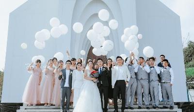 融创·阿朵小镇联合KINFOLK于月空婚礼堂呈现首场安静的轻婚礼