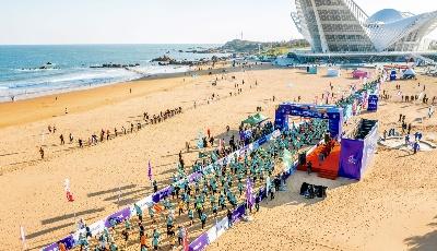 1600余名跑者角逐金沙滩 哈舅西海岸沙滩跑开跑